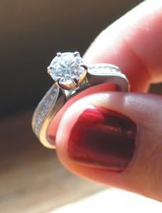 Wspaniałe brylanty i diamenty do pierścionków, kolczyków, kolii. Zapraszamy